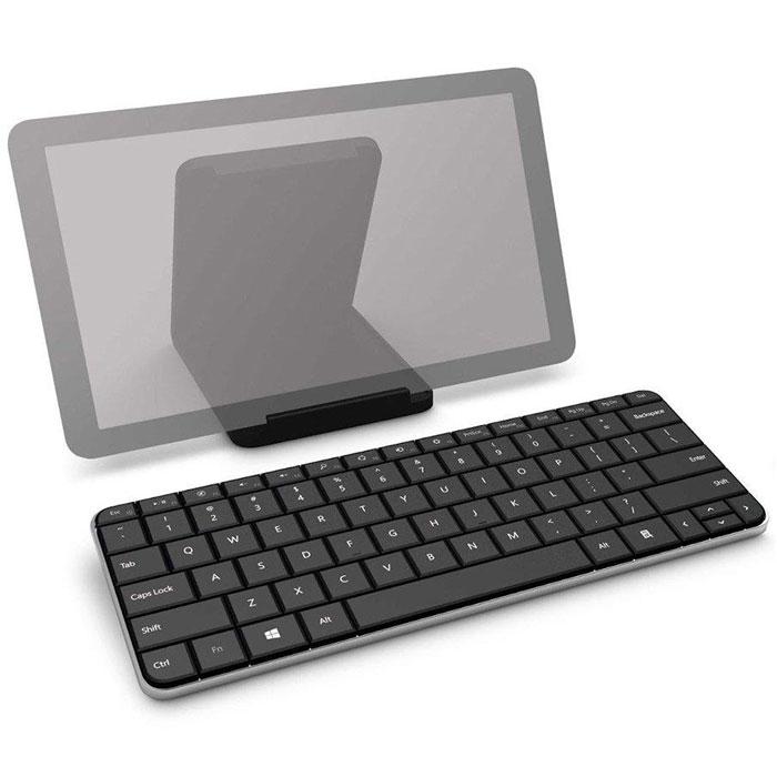 Microsoft Wedge Mobile Keyboard беспроводная клавиатура (U6R-00017)U6R-00017Сверхтонкая клавиатура Wedge Mobile Keyboard была создана для постоянно находящихся в дороге пользователей планшетов, работающих под управлением Windows 7 и Windows 8. (Она также работает с большинством устройств Android и с iPad). Ее тонкий, невесомый корпус легко переносить, а полноразмерный набор клавиш, реагирующих на мягкое прикосновение, обеспечивает комфортный и эффективный ввод текста, благодаря чему составление длинных писем и документов не составит труда. Идеальный баланс формы и функциональности: Клавиатура Wedge Mobile Keyboard имеет минималистскую, но продуманную конструкцию, дающую только необходимые пользователю возможности. Долговечное покрытие клавиатуры не только защищает данное устройство от царапин, но и быстро трансформируется в подставку для планшета, позволяющую работать или смотреть фильмы. По окончании работы просто закройте крышку клавиатуры, чтобы выключить ее перед тем, как сложить в сумку или рюкзак. Это портативное...