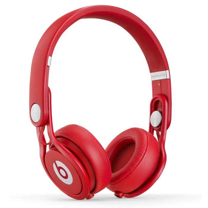 Beats Mixr наушники, Red900-00025-03_MH6K2ZM/AНаушники Beats Mixr - это профессиональные наушники разработанные совместно с David Guetta. Наушники отличаются чистым динамичным звуком и превосходной шумоизоляцией. Наушники Beats Mixr разработанны с учетом постоянного необходимого мониторинга во время работы ди-джеек, а также удобной транспортировки. Гибкое оголовье и крепкие металлические чашки гарантируют безотказную работу наушников на протяжении многих часов, а также позволяют говорить о них как о компактных и удобных в хранении наушниках. Полная шумоизоляция: даже без звука Вашей музыки Вы не услышите что творится вокруг. Два разъема для подключения аудио кабеля дают возможность подключать наушники от левой или правой стороны. И даже использовать второй вход для других наушников (второго слушателя!). Регулируемая посадка наушников и оголовье, подвижные чашки (вверх, вниз, из стороны в сторону) - все это позволяет с легкостью подогнать наушники под индивидуальные особенности слушателя.