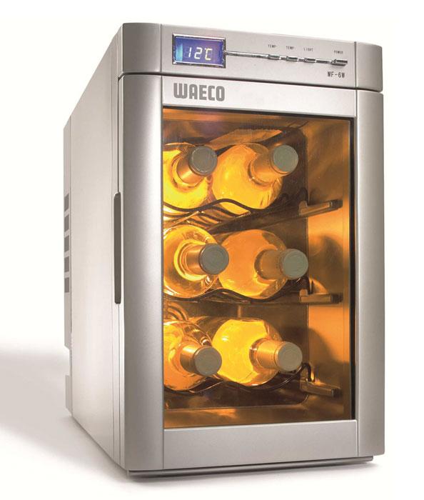 WAECO MyFridge MF-6W холодильник для вина 18 лMF-6W-12/230Кулер для вина WAECO MyFridge MF-6W обязательно должен быть на каждой вечеринке. Он охлаждает Ваше вино и поддерживает идеальную температуру напитка в течение нескольких часов. Температура легко регулируется, так что Вы можете настроить его так, как Вам больше нравится. В этот холодильник помещается до 6 винных бутылок. Цифровой монитор показывает заданную и текущую температуру.