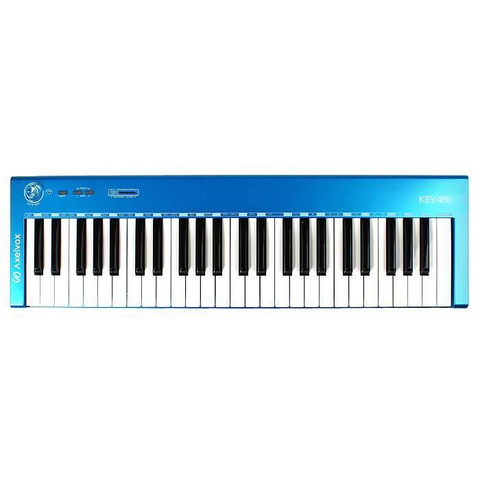 Axelvox KEY49J, Blue Midi-клавиатураAxelvoxAxelvox KEY49J - ультратонкая, компактная MIDI клавиатура, диапазон - 49 клавиш, чувствительных к скорости нажатия. Имеет минимум органов управления и невысокую стоимость. Несмотря на кажущуюся простоту модель, тем не менее, имеет все необходимые функции для работы с MIDI на компьютере. Встроенный джойстик позволяет управлять высотой тона, модуляцией и послекасанием, есть кнопка переключения октав и фейдер, настроенный по умолчанию на регулировку громкости. Также есть два разъема для подключения педалей. При необходимости всем органам управления можно присвоить значения других контроллеров. Часть функций настраивается с применением клавиатуры инструмента. Встроенный USB MIDI-интерфейс совместим с Windows XP / Vista и Mac OS X.