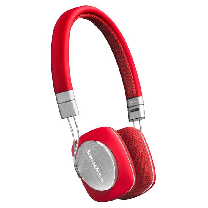 Bowers & Wilkins P3, Red наушники23817Наушники Bowers & Wilkins P3 сочетают превосходное звучание с максимумом удобств. Эти компактные наушники прочно держатся на голове, а будучи сложенными, легко прячутся в Вашем кармане или в прочной сумочке для переноски. Они выдают необыкновенно естественный и детальный звук в движении, благодаря технологическим новациям, которые сводят искажения к минимуму. Технологии динамиков: Динамики P3 были сконструированы с нуля, чтобы получить наилучшее возможное звучание от компактных наушников. Клеммы были перенесены, чтобы добиться однородности воздушного потока и более линейного движения мембраны. Также было разработано уникальное демпфирование, обеспечивающее оптимальный баланс жесткости и гибкости. Акустическая ткань: Ушные накладки P3 не только хорошо смотрятся. Обтягивающая их ткань акустически прозрачна в центре и одновременно хорошо прикрывает уши по краям - для лучшего баса и шумоизоляции. Накладки сделаны из чувствительного к теплу поролона с...