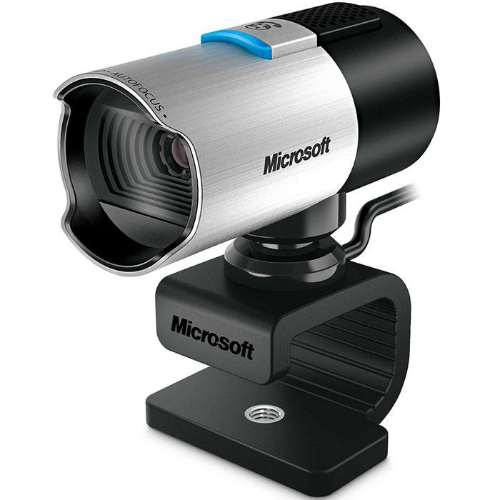 Microsoft LifeCam Studio Web-камера (Q2F-00018)Q2F-00018Наслаждайтесь великолепным качество видеоизображения в режиме HD с веб-камерой Microsoft LifeCam Studio, оснащенной датчиком высокого разрешения в 1080p. Но великолепное видеоизображение — это нечто большее, чем просто высокая четкость. Функция автоматической фокусировки всегда обеспечивает высочайшую четкость снимаемого объекта, находящегося на расстоянии от 10 сантиметров до бесконечности. Поддерживается съемка под широким углом благодаря высококачественным составным линзам LifeCam. Кроме того, съемку упрощает технология TrueColor, которая придает изображению яркость и многоцветность практически в любых условиях, а технология ClearFrame обеспечивает гладкость и четкость изображения. Используйте встроенный микрофон с высокой четкостью звука, чтобы объединить все преимущества камеры в одно: яркие виды, цвета и звуки реальной жизни.