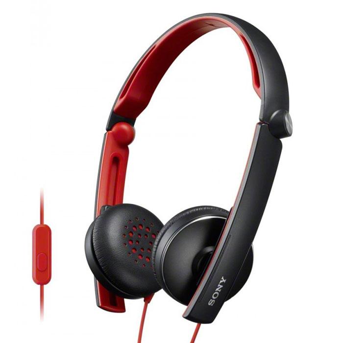 Sony MDR-S70APB, Black наушники с гарнитуройMDR-S70APBНаушники Sony MDR-S70APB с гарнитурой для смартфонов. Не упустите ни одной детали звучания, где бы Вы ни находились — при необходимости эти складные и компактные наушники можно легко спрятать в сумку. Вы также можете использовать их для приема звонков с помощью ПДУ и микрофона. Диапазон воспроизводимых частот от 8 Гц до 24 кГц обеспечивает четкость высоких и низких частот. 30-миллиметровые мембраны с динамичными басами позволят услышать музыку такой, какой ее задумал автор. Эластичные подушечки из искусственной кожи надежно держатся на ушах, а внутренняя сторона обода покрыта мягкой резиной для дополнительного комфорта.
