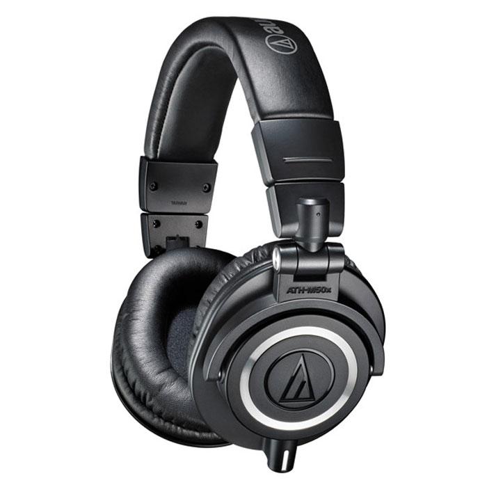 Audio-Technica ATH-M50X, Black наушники15117007Audio-Technica ATH-M50X - это обновленная версия самой популярной модели M-серии. Наушники M50, по сути, живая легенда, год за годом собирающая хвалебные отзывы и награды как от профессионалов, так и от простых слушателей. Модель была разработана компанией Audio-Technica специально для профессионального мониторинга и микширования в студиях звукозаписи, но полюбилась и меломанам. ATH-M50X сохраняет прославленное звучание предшественницы, но имеет более комфортные амбушюры и комплект съемных кабелей на все случаи жизни. Наушники Audio-Technica ATH-M50X - это оптимальный вариант как для работы в студии, так и для наслаждения любимой музыкой в дороге.