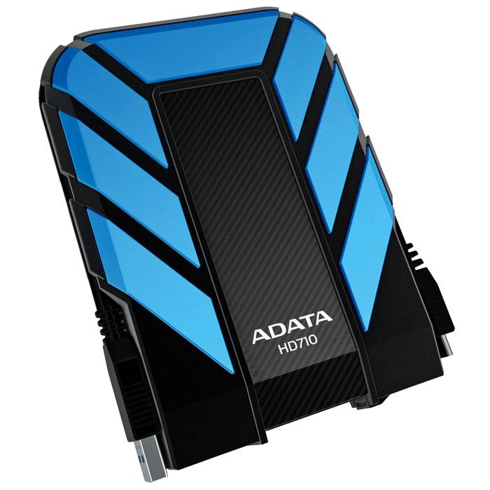 ADATA HD710 1TB USB3.0, Blue внешний жесткий дискAHD710-1TU3-CBLВодонепроницаемый/ударопрочный внешний жесткий диск ADATA HD710. Внешний жесткий диск ADATA HD710 обеспечивает быстрый и надежный мобильный доступ к данным в упрочненном корпусе спортивного вида. Его корпус изготовлен из уникального силиконового материала, а сам накопитель имеет ударопрочную и водонепроницаемую (IPX7) конструкцию армейского класса со сверхскоростным интерфейсом USB 3.0. Его яркий внешний вид и динамичный дизайн в синем, желтом или черном цветовом исполнении соответствуют требованиям и стилю любителей спорта и прогулок на свежем воздухе. Больше не нужно бояться потерять ценные данные из-за пролитых напитков. Внешний жесткий диск ADATA HD710 успешно прошел строгое испытание по стандарту IEC 529 IPX7, согласно которому водонепроницаемость устройства подтверждается после его погружения в воду на метровую глубину на время до 30 минут. Кроме того, жесткий диск успешно прошел строгое испытание на ударопрочность по армейскому стандарту MIL-STD-810G...