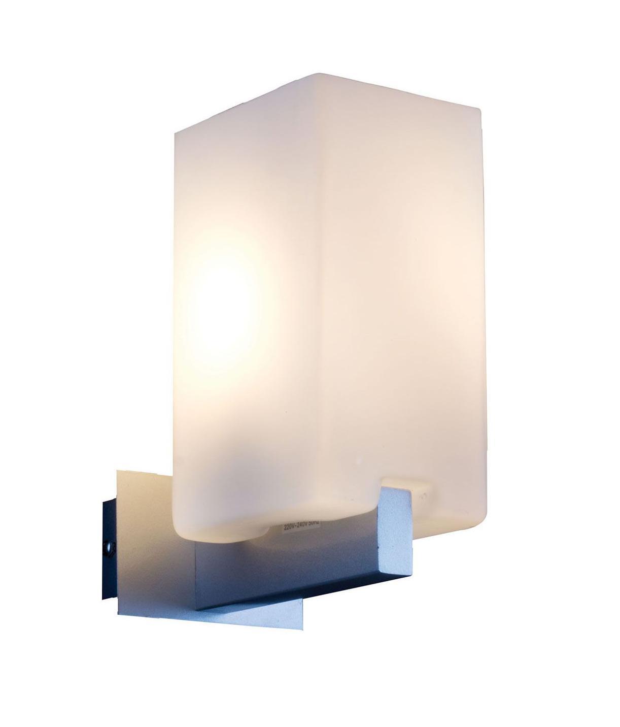 Светильник настенный ST Luce. SL541.101.01SL541.101.01Бра SL541.101.01 - поможет создать в вашем доме атмосферу уюта и комфорта. Благодаря высококачественным материалам она практична в использовании и отлично работает на протяжении долгого периода времени. Эта модель без мерцания распространяет свет и не вредит вашим глазам.