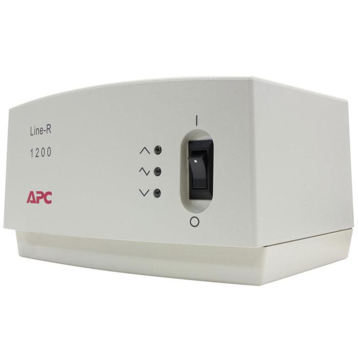 APC LE1200I Line-R 1200VA стабилизатор напряженияLE1200IСтабилизатор напряжения APC LE1200I Line-R работает в диапазоне входного напряжения 160-290В и отличается наличием неплавких автоматических предохранителей. Предназначен для работы с чувствительным к перепадам напряжения оборудованием, таким как компьютеры, мониторы, принтеры, сканеры, телевизоры, стереосистемы и другое оборудование для звука и видео.