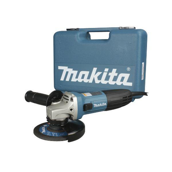 Шлифмашина угловая Makita GA5030KGA5030KУглошлифовальная машина Makita GA5030K - это высокоэффективный инструмент для выполнения различных строительных и ремонтных работ по резке, зачистке и шлифованию различных поверхностей. Мощный двигатель с усовершенствованной системой пылезащиты надежен и долговечен. Удобный компактный корпус и небольшой вес обеспечивают комфорт при эксплуатации и уверенное управление даже одной рукой. Углошлифовальная машина Makita GA5030K - это компактный и легкий инструмент с мощным двигателем на 720 Вт. УШМ эффективна при выполнении различных отрезных, шлифовальных и зачистных строительных работ. Лабиринтное уплотнение защищает все элементы механизма от пыли и абразивного строительного мусора, поэтому с помощью этой УШМ можно без проблем работать даже с такими пылеобразующими материалами, как бетон, камень и кирпич. Рабочий диск диаметром 125 мм вращается со скоростью 11000 оборотов в минуту. Благодаря небольшим габаритам (длина всего 266 мм) и малому весу (1,4 кг)...