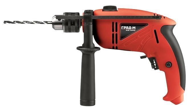 Дрель ударная Град-М ДУ-505ДУ-505Ударная дрель применяется для сверления отверстий в дереве (25мм), в металле (13мм) и в бетоне (13мм). В комплектацию входит дополнительная боковая рукоятка с резиновой прокладкой для удобства работы, ключ для быстрозажимного патрона. Функция реверса позволяет использовать электроинструмент в качестве шуруповерта. Режим сверление с ударом применяется на особо твердых поверхностях – бетоне и металле. Электронная регулировка скорости позволяет плавно переходить с одного режима работы на другой. Дрель предназначена для домашних ремонтных работ и рассчитана на долгий срок эксплуатации.