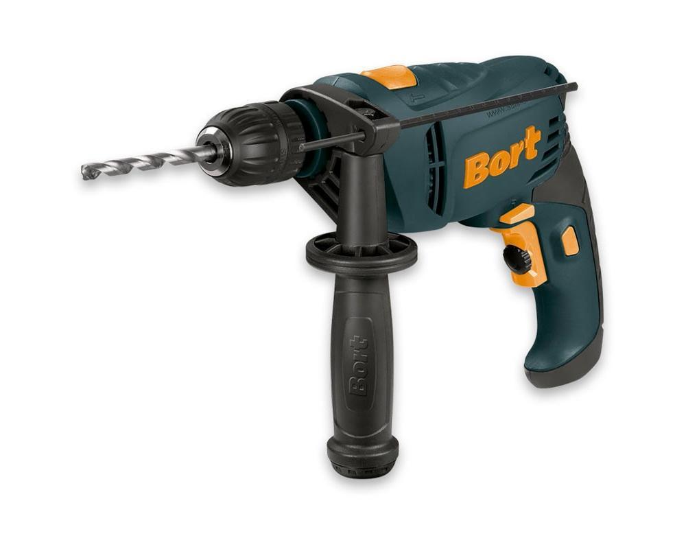 Дрель ударная Bort BSM-650U-QBSM-650U-QBort BSM-650U-Q - ударная дрель для сверления отверстий в металле, бетоне и дереве. Оснащена двигателем мощностью 0,65 кВт. В комплекте с дрелью поставляется дополнительная рукоять с отсеком для хранения сверл. Основная рукоятка имеет эластичную накладку для комфортного хвата. Основные особенности: - наличие реверса позволяет применять дрель в качестве шуруповерта. - максимальная скорость - 2800 об/мин. - для отвода излишков тепла предусмотрены специальные вентиляционные отверстия. - для быстрой замены оснастки - быстрозажимной патрон. - предусмотрена электронная установка частоты вращений. - благодаря режиму сверления с ударом, вы можете эффективно работать даже с бетоном. - диаметр сверления в бетоне - 13 мм. - глубиномер обеспечивает максимальную точность сверления. Диаметр патрона - 13 мм. Комплектация: комплект щеток; глубиномер; дополнительная рукоять.