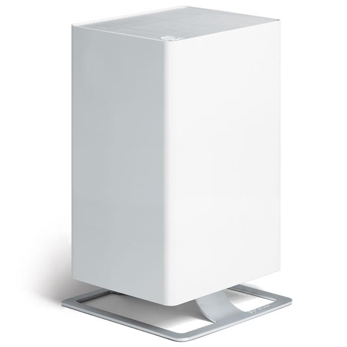 Stadler Form Viktor V-001, White очиститель воздухаV-001Воздухоочиститель нового поколения Stadler Form Viktor оптимально сочетает технологическое совершенство и фирменный узнаваемый дизайн. Прибор оборудован многоступенчатой системой фильтрации воздуха, которая гарантирует высокую степень очистки воздуха при любых загрязнениях. Особая запатентованная система фильтрации HPP очищает воздух от вирусов и бактерий, удаляет мельчайшую пыль, аллергены органического происхождения - пыльцу растений, споры плесени и т.п., что позволяет рекомендовать прибор для людей, страдающих от аллергии. Дополнительные фильтры - угольный и префильтр удаляют крупные частицы пыли, адсорбируют неприятные запахи и табачный дым. Наличие пятиступенчатой регулировки скорости воздушного потока расширяет круг возможностей воздухоочистителя и позволяет эффективно использовать его как в небольших помещениях, так и в гостиных площадью до 50 м2, а также регулировать интенсивность очистки, в зависимости от степени загрязнения воздуха. Наличие таймера обеспечивает...
