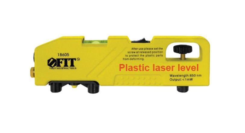 Лазерный уровень-торпедо мини FIT 18605Лазерный уровень-торпедо, миниЛазерный уровень-торпедо FIT имеет прочный корпус, что делает этот уровень применимым как для простейшего переноса и выравнивания при внутренних работах, так и на строительной площадке снаружи. Предназначен для получения высокоточного результата при выполнении столярно-слесарных, ландшафтных и строительных работ. Применяется для установки изгородей и заборов, кладки кафеля и камня, сборки каркасных конструкций, а также для создания ровных оконных и дверных проемов. Прибор дает лазерную точку, а также дополнительную лазерную линию, которая может быть переключена в вертикальный или горизонтальный режим. Голова лазерного уровня позволяет фиксировать линию под углом 90°, а встроенный винт используется для выравнивания при горизонтальной установке. Простой и надежный уровень для первичной оценки и замера. Преимущества модели: Высокая точность построения линии; Встроенный горизонтальный глазок - помогает выровнять прибор; Дальность работы - радиус действия...