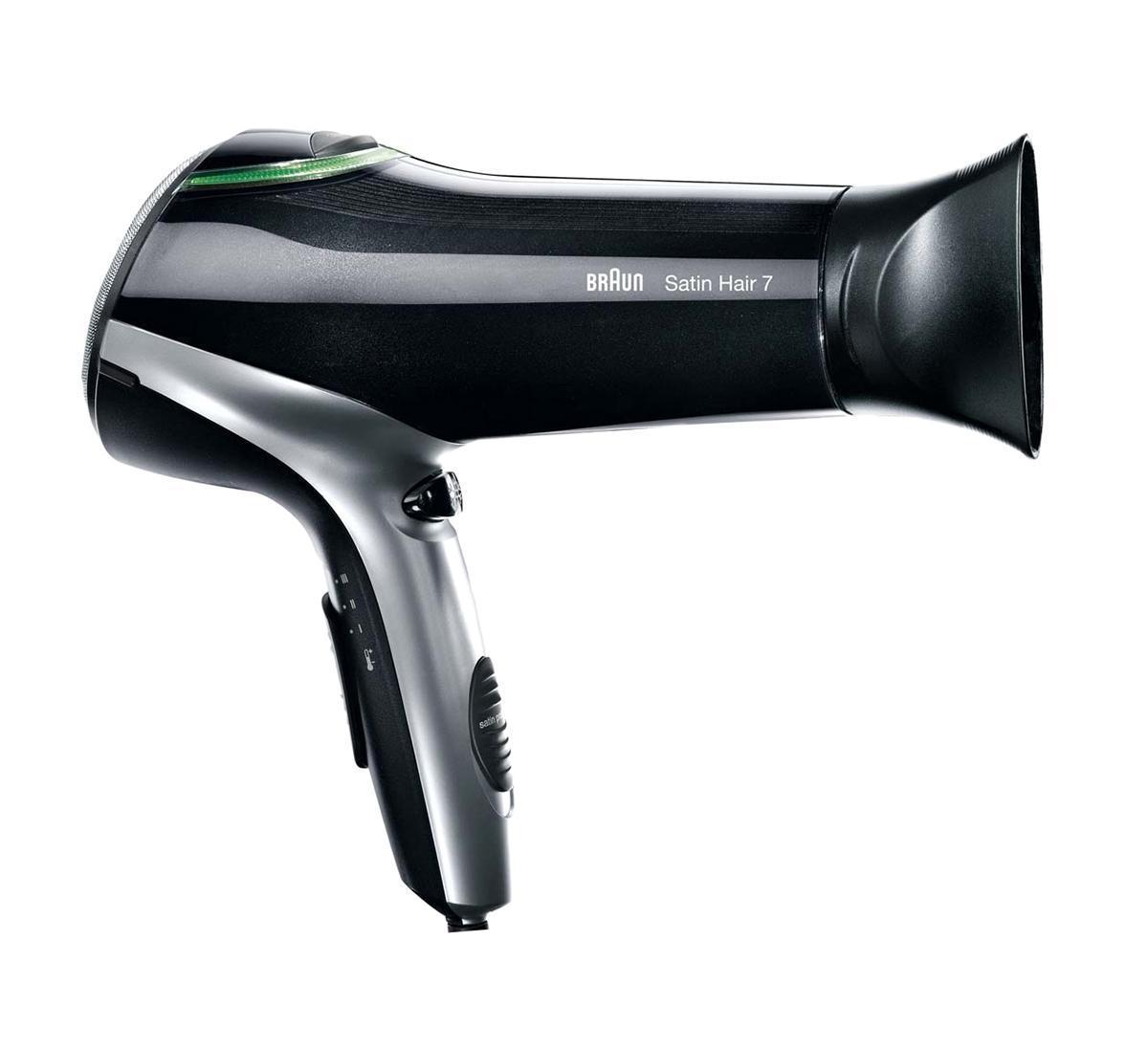 Braun HD730 фенHD730Фен Braun HD730 подойдет для любого типа волос, поскольку вы можете отрегулировать его работу в соответствии с вашими потребностями. Три режима температур переключаются специальным регулятором от слегка теплой температуры до горячей. Две скорости позволяют либо медленно подсушить волосы на первой скорости, либо быстро достичь результата - на второй. Используйте холодный воздух для фиксирования прически на завершающем этапе. Фен способен не только быстро высушить волосы, но и не повредить их при этом. Керамический модуль позволяет максимально оптимально распределять тепло, чтобы горячий воздух не пересушивал кожу голову и волосы. Фен имеет высокую мощность 2200 Вт. Фен Braun HD730 оснащен функцией Iontec, которая защищает ваши волосы от пересушивания. Когда вы пользуетесь феном, специальное устройство насыщает ваши волосы ионами satin ions , они притягивают частицы влаги из окружающего воздушного пространства и снимают статическое электричество. Вы можете купить фен и убедиться, что...