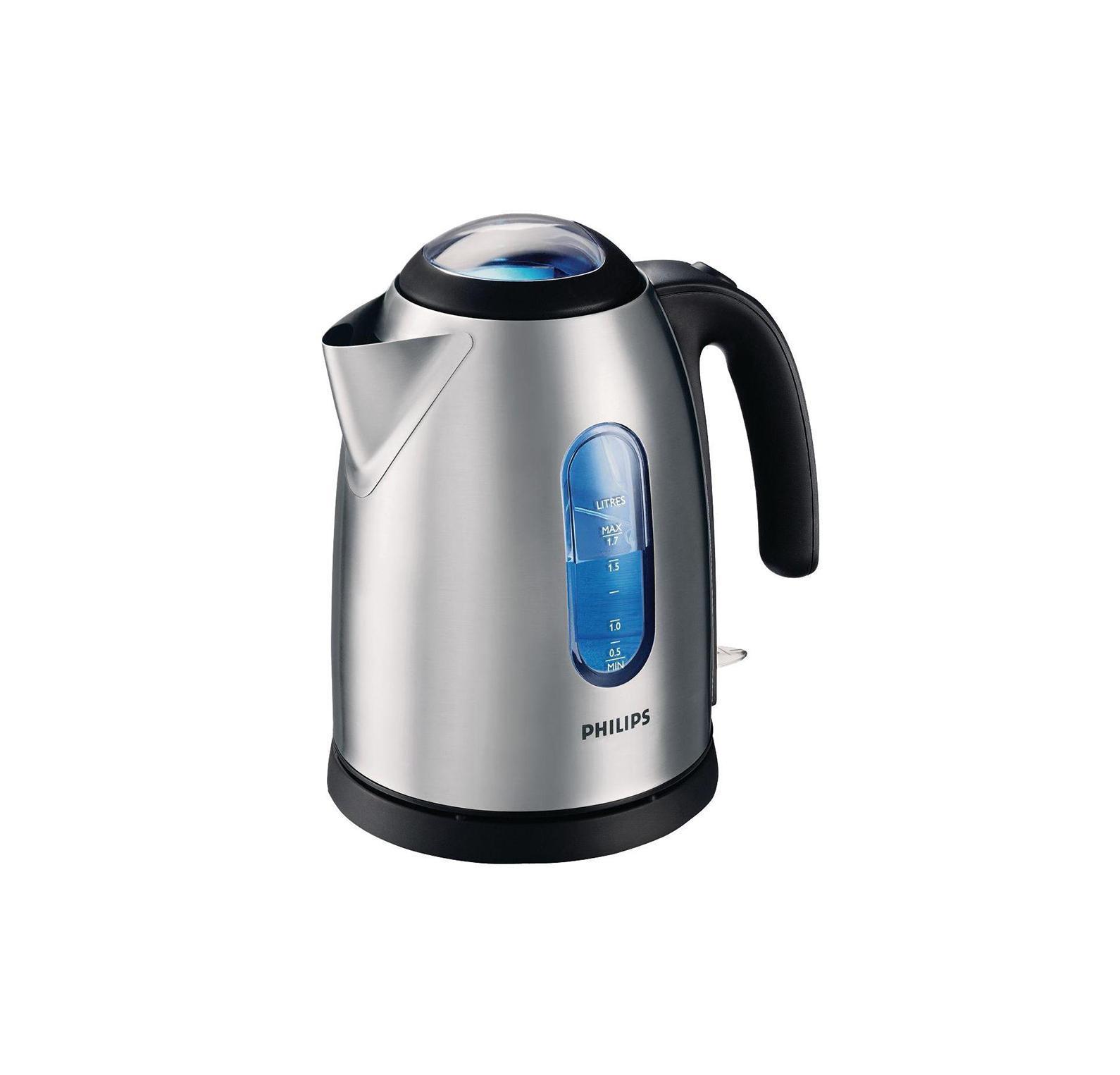 Philips HD4667/20 электрический чайникHD4667/20Прочный чайник со стальным корпусом из полированной стали. Скрытый нагревательный элемент. Поворачивающийся на 360° корпус. Эргономичная открытая ручка максимально удобна для пальцев. Автоматическое отключение при недостатке воды. Двухсторонний индикатор уровня воды. При включении чайника загорается подсветка корпуса, освещая прозрачный индикатор уровня воды и крышку приятным синим светом. Противоизвестковый фильтр тройного действия не просто предотвращает попадание накипи в воду - притягивая мелкие частицы и удерживая хлопья внутри, накипь остается в фильтре.