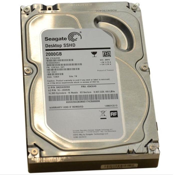 Seagate Desktop SSHD 2TB/8GB гибридный жесткий диск (ST2000DX001)ST2000DX001В гибридном твердотельном диске Seagate Desktop SSHD используется технология с необходимым количеством сверхбыстрых твердотельных элементов на базе флэш-памяти NAND для повышения производительности системы. С помощью технологии Seagate Adaptive Memory можно эффективно определять наиболее часто используемые данные и хранить их во флэш-памяти NAND. В результате вы получаете значительное ускорение загрузки системы, загрузки приложений и сокращение времени отклика системы в целом. Благодаря гибридной твердотельной технологии больше не нужно жертвовать емкостью ради высокой производительности. Модели диска Seagate Desktop SSHD имеют емкость достаточную для хранения большого объёма всего цифрового содержимого: видео, DVD-дисков в формате HD, фотографий, видеоигр и музыкальных файлов в формате mp3. Гибридный твердотельный накопитель представляет собой единое недорогое и мощное гибридное устройство, в котором сочетаются преимущества твердотельных и...