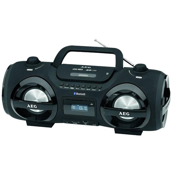 AEG SR 4359 BT, Black аудиомагнитолаSR 4359 BT schwarzAEG SR 4359 BT - стильная магнитола с ЖК-дисплеем и поддержкой технологии беспроводного соединения Bluetooth. Радиус действия составляет 15 метров от источника сигнала. Благодаря отсеку для батареек, устройство можно брать с собой в дорогу. Семь вариантов диско-подсветки привлекут гарантированное внимание на любой вечеринке. Встроенный эквалайзер имеет различные сценарии звучания на ваш вкус. Для прослушивания ваших любимых радиостанций предусмотрен встроенный цифровой PLL и FM/AM-тюнер, а также телескопическая антенна. Мощность динамиков - 2 x 50 Вт. Магнитола имеет разъемы USB и AUX для подключения дополнительных устройств, а также слот для карт памяти SD. Элементы питания: 8 х 1,5 В (тип D) (в комплект не входят)