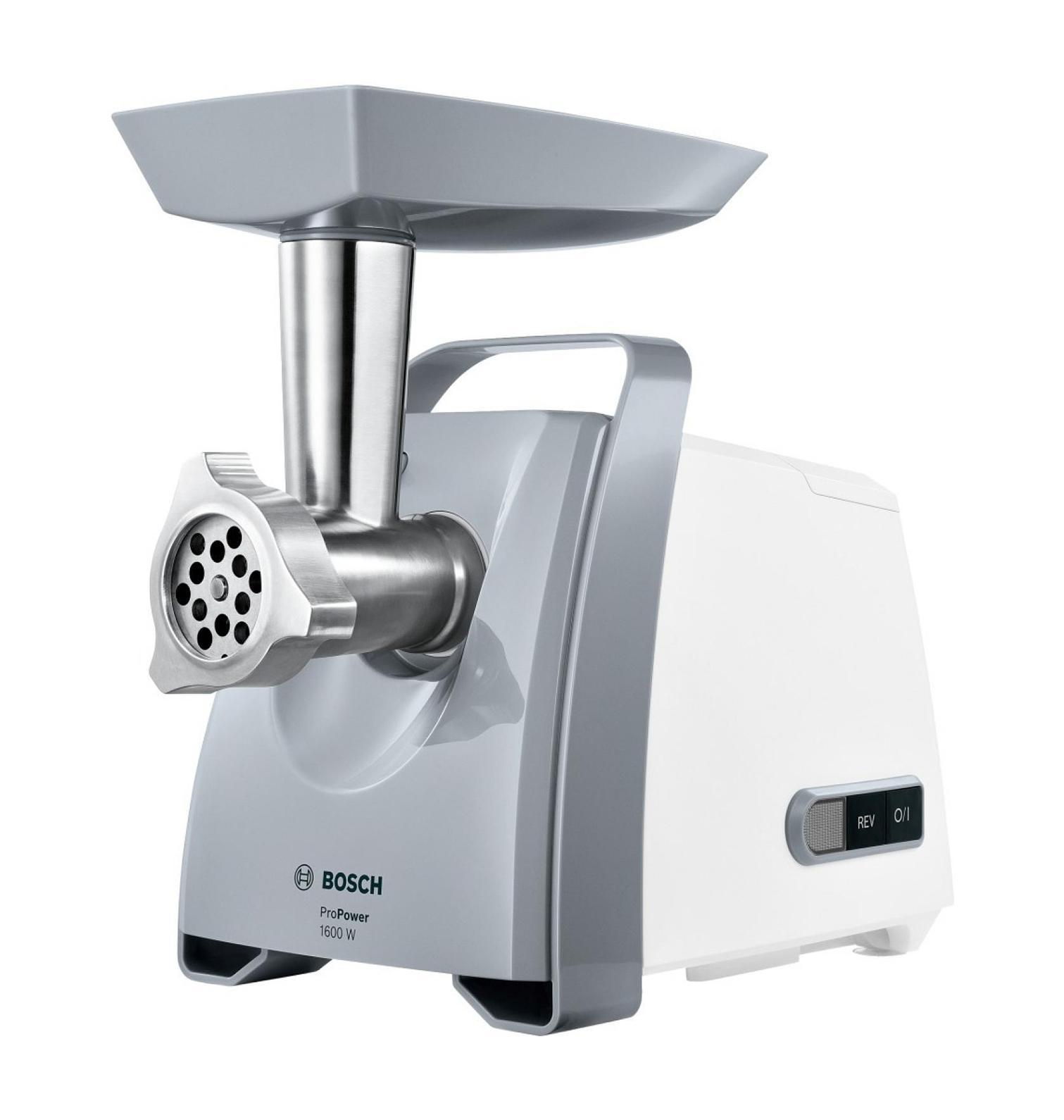 Bosch MFW45020 ProPower, White Silver мясорубкаMFW 45020С помощью мясорубки Bosch MFW45020 ProPower вы без труда приготовите фарш нужной консистенции, домашнюю колбасу или кеббе. Функция реверс поможет справиться с застрявшими продуктами, не разбирая прибор. Пластиковый лоток для удобной подачи продуктов. Для хранения формовочных дисков предусмотрен специальный отсек на корпусе устройства, а насадки для приготовления колбас и кеббе можно хранить прямо в толкателе. Мясорубка имеет удобную ручку для переноски. Вакуумные присоски на основании прибора предотвратят его соскальзывание с рабочей поверхности.