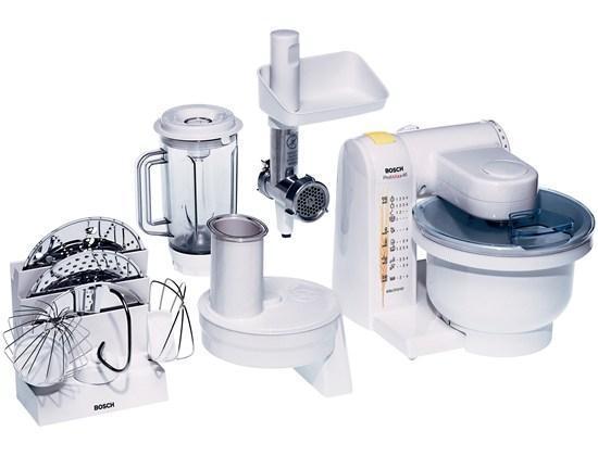 Bosch MUM 4855 кухонный комбайнMUM4855Кухонный комбайн Bosch MUM 4855: качество Bosch и широкий выбор аксессуаров. Широкий ассортимент насадок: венчик для замешивания жидкого теста, круглый венчик для взбивания крема и яичных белков, насадка для замешивания крутого теста, универсальная резка с тремя дисками для разных типов нарезки, мясорубка, блендер и подставка-держатель для аксессуаров. MultiMotion Drive: идеальное смешивание ингредиентов благодаря планетарному принципу вращения насадок. Прост в использовании и безопасен. Аксессуары можно мыть в посудомоечной машине. 4-ступенчатая регулировка скорости вращения, функция парковки (остановка принадлежностей в заданном положении). Многофункциональный рычаг для крепления насадок в разных положениях с тремя валами привода. Чаша для замешивания из пластика, возможность замеса до 2,7 кг теста (1 кг муки + ингредиенты), полупрозрачная крышка с отверстием для загрузки. Крюк для теста, венчик для жидкого теста, венчик для взбивания. ...