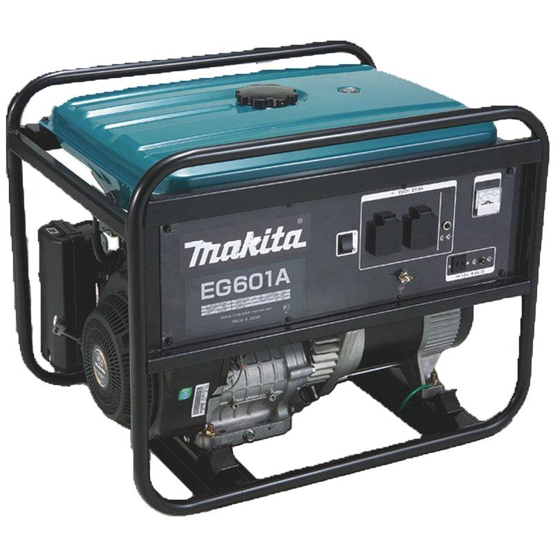 Генератор бензиновый Makita EG 601A156945Генератор бензиновый Makita EG 601A. Необычайно производительный генератор Очень устойчивый выход напряжения Простая система управления Надежный и экономичный двигатель Subaru-Robin Встроенный датчик уровня масла Устройство защитного отключения при перегрузках в электросети Удобная рабочая панель с вольтметром Автоматическая стабилизация напряжения Топливный бак увеличенного объёма с индикатором уровня топлива Невероятно малый уровень шума за счет увеличенного глушителя и верхнего расположения распределительного вала