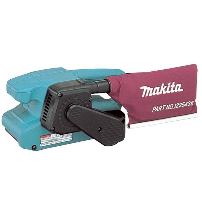 Шлифмашина ленточная Makita 9911116498Ленточная шлифмашина Makita 9911 - незаменимый помощник при изготовлении корпусной и мягкой мебели, подгонке и фасовке деревянных деталей филенчатых дверей, при изготовлении окон, половой доски, вагонки, блок-хауза. аленькая длина (260 мм) и легкий вес инструмента позволяют подобраться в самые труднодоступные места, в том числе и в угловые стыки собранных узлов деталей мебели, окон, дверей и других изделий. Опилки, пыль и мелкий сор по специальному пылеотводу собираются в пылесборник, входящий в комплект шлифмашины Makita 9911. Прочный сетевой шнур с двойной изоляцией длиной 2,5 м обеспечивает шлифовальным машинам этой серии длительный срок службы и возможность работы с незаземленных розеток столярных цехов. Кроме крупных деревообрабатывающих цехов и комбинатов, строительных организаций, мелких и средних предпринимателей, легкую и удобную в работе шлифмашину этой модели сегодня можно встретить практически в каждом частном дворе, фермерском хозяйстве или на дачном...