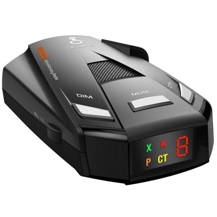 Cobra СТ2750 радар-детекторСТ2750Cobra СТ2750 поможет избежать любых угроз со стороны радаров. Небольшой размер устройства способствует тому, чтобы вам было удобно разместить его в своём салоне, а также чтобы было удобно им пользоваться. У данной модели светодиодный, текстовый OLED-дисплей, он прекрасно реагирует на стационарные камеры Стрелка и Робот. Цифровая обработка сигнала (DSP). Есть голосовые подсказки о режимах работы. Детектор поддерживает 3 режима работы по чувствительности: Город, Город макс, Трасса, а также короткоимпульсный режим POP. Имеет 3 уровня регулировки яркости дисплея, пятибальную индикацию мощности сигнала, функцию Automute.