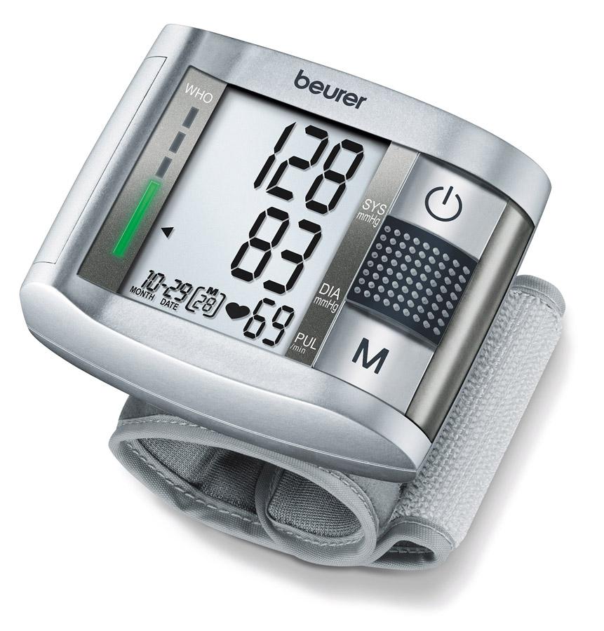 Тонометр Beurer BС197102034Прибор для измерения артериального давления на запястье с интегрированной функцией речевого вывода, говорящий на немецком, английском, французском, испанском и русском языке. Классификация по ВОЗ и распознание аритмии Регулируемая громкость речевого вывода 2 x 60 ячеек памяти Большой, хорошо видимый дисплей Дата и время Автоматическое отключение Чехол для хранения Индикация замены батарейки