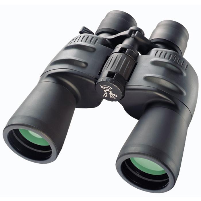 Bresser Spezial-Zoomar 7-35x50 бинокль64653Полевой бинокль Bresser Spezial-Zoomar 7-35x50 сочетает прекрасную оптику, высокое качество сборки и эргономичный дизайн. Большой диапазон увеличений значительно расширяет возможности бинокля и позволяет вести наблюдения за объектами на разном расстоянии. Призмы и линзы бинокля Bresser Spezial-Zoomar 7-35x50 выполнены из оптического стекла BaK-4 и имеют полное многослойное покрытие, поэтому изображение отличается четкостью, яркостью и контрастностью. Увеличение меняется плавно, при помощи рычажка на окуляре. Имеется возможность диоптрийной корректировки. Наблюдения можно вести даже в очках, поскольку наглазники имеют поворотно-выдвижную конструкцию. Резиновое покрытие корпуса защищает бинокль от пыли и обеспечивает надежный захват. Для длительных наблюдений (особенно при большом увеличении) рекомендуется установить бинокль на штатив. Увеличение: 7-35x