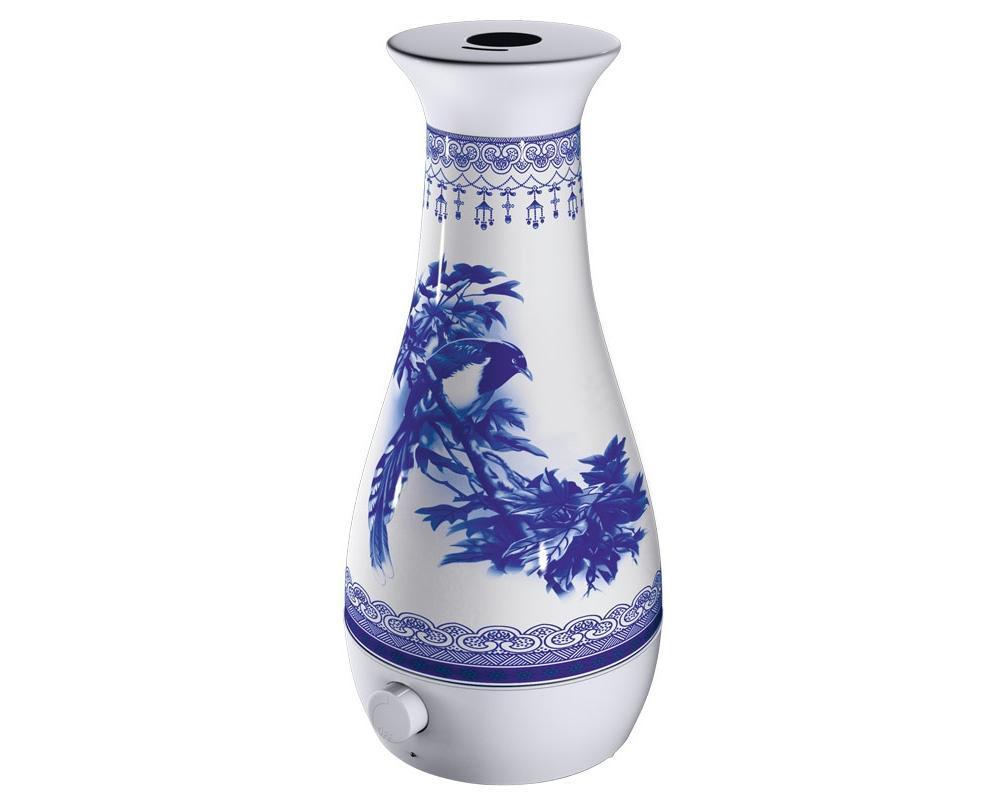 Увлажнитель воздуха Bort BLF-210BLF-210Увлажнитель воздуха Bort BLF-210 Увлажнитель работает абсолютно бесшумно, сила пара регулируется по желанию, а если влага в приборе иссякла, он выключится самостоятельно. Уровень воды в «умной» технике контролируется визуально, а если капнуть в воду несколько капель цветочного масла, можно наслаждаться ароматерапией, которая дарит молодость, красоту и здоровье. Кстати, вода считается символом обновления и богатства, так что ждите повышения по службе!