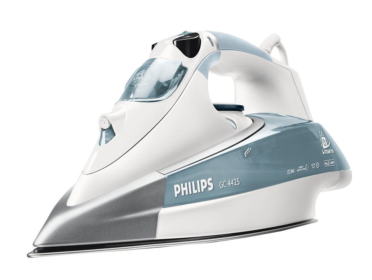 Philips GC4425/02 утюгGC4425/02Система капля-стоп предотвращает протекание воды на одежду Паровой утюг Philips оснащен системой капля-стоп, поэтому вы сможете гладить даже деликатные ткани при низкой температуре не беспокоясь о появлении пятен воды на одежды. Паровой носик Steam Tip позволяет прогладить труднодоступные детали одежды Уникальный носик подошвы утюга Philips со специальными удлиненными отверстиями позволяет пару проникать в самые труднодоступные складки и эффективно разглаживать даже мелкие элементы одежды. Подошва SteamGlide - лучшая подошва от Philips Подошва SteamGlide - идеальная подошва от Philips для вашего парового утюга. Идеально скользящая легкоочищаемая поверхность устойчивая к появлению царапин. Удлиненный шнур (3 м) для максимальной мобильности Удлиненный шнур (3 м) утюга Philips позволяет легко дотянуться до любого края гладильной доски! Покрытие Delicate Fabric Protector для глажения с паром деликатных тканей ...