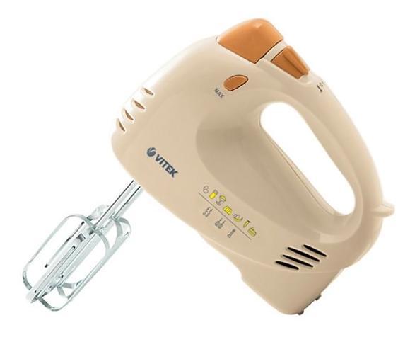 Vitek VT-1404, YellowVT-1404 YЕсли вам нравятся не только многофункциональные, но и внешне привлекательные бытовые приборы, то миксер VITEK VT-1404 Y наверняка придется вам по вкусу. Необычный желтый цвет корпуса позволяет миксеру стать ярким пятном в любом стандартном интерьере кухни. Так как его мощность составляет 300 ватт, вы сможете выполнить всю работу на кухне заметно быстрее, чем раньше. Пять режимов скорости позволяет запустить миксер VITEK VT-1404 Y именно в том режиме, который лучше всего подойдет для выполнения определенной работы. Три насадки – крюки для теста, венчик для взбивания и блендер позволяют упростить работу на кухне