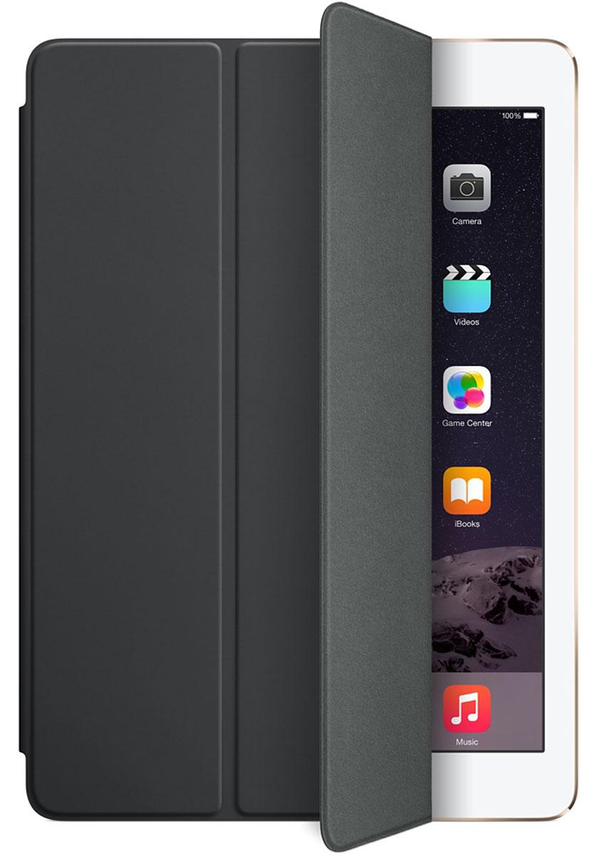 Apple Smart Cover чехол для iPad Air 2, BlackMGTM2ZM/AЛёгкая и прочная обложка Apple iPad Smart Cover полностью обновлена, чтобы соответствовать дизайну iPad Air 2. Она защищает дисплей планшета, не закрывая заднюю часть алюминиевого корпуса. Обложка изготовлена из мягкого прочного полиуретана и доступна в нескольких ярких цветах. А её мягкая подкладка из микрофибры того же цвета помогает поддерживать экран в чистоте. Крепление обложки идеально прилегает к корпусу планшета, а магниты надёжно удерживают её. При открытии чехла-обложки iPad Air автоматически выходит из режима сна, а при закрытии моментально возвращается в режим сна. Обложка Smart Cover может служить подставкой для набора текста. Сложите её, чтобы установить iPad Air 2 с удобным наклоном. Продуманная конструкция обложки Smart Cover также позволяет сложить её и превратить в идеальную подставку для общения в FaceTime и просмотра фильмов.