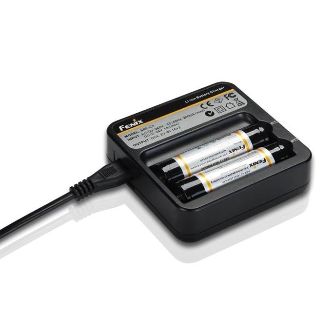Зарядное устройство Fenix ARE-C1 18650