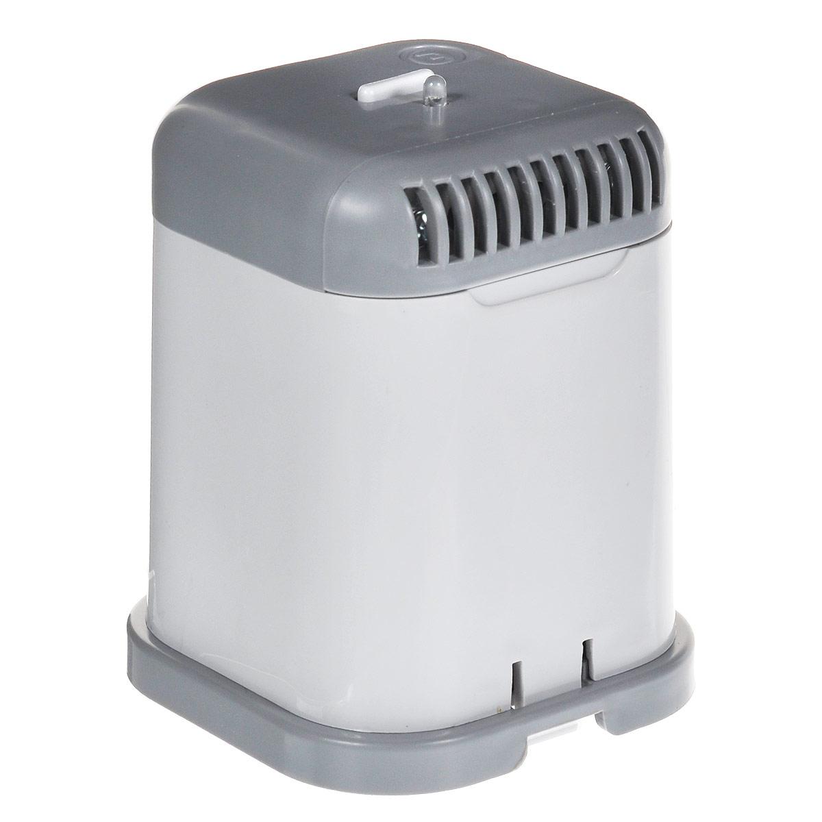 Супер Плюс для холодильника очиститель-ионизатор воздуха2024Озонатор устраняет неприятные запахи в холодильнике, дезинфицирует его стенки, продукты, замедляет процессы гниения, разложения, тем самым позволяя Вам дольше хранить продукты. Подходит для всех типов холодильных камер. Озонатор может также использоваться в шкафах и кладовках для подавления жизнедеятельности плесневых грибов, пылевых клещей, отравляющих жизнь аллергиков, и устранения запахов, например, запаха табака от одежды, для устранения неприятных запахов в туалетных и ванных комнатах. Работа прибора основана на принципе ионного ветра, который возникает в результате коронного разряда и обеспечивает движение потока воздуха через очистную камеру прибора, при этом происходит озонация воздуха и его насыщение отрицательными аэроионами. Вырабатываемый прибором озон, обладает бактерицидным действием, что приводит к подавлению жизнедеятельности различных микроорганизмов, плесневых грибков и т.д. Питание: 4 батарейки типа С