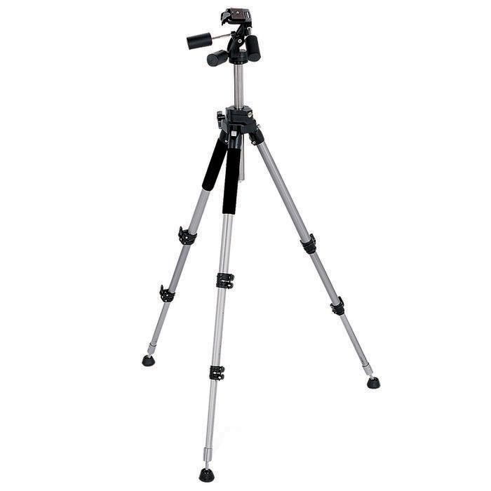 Rekam RT-P55 штативRT-P55Rekam PT-P55 самый мощный штатив из серии Professional Tripod, оптимально подходящий для студийной съемки. Особо прочный металл, и увеличенный диаметр ноги, делает штатив более прочным и устойчивым. Панорамная 3D голова обеспечивает высокую степень свободы, и равномерное перемещение камеры. Съемная площадка дает возможность быстро устанавливать и снимать камеру. Штатив имеет 3 секции. Высота ног регулируется при помощи поворотных замков. Ноги штатива имеют независимую регулировку угла поворота ноги. Высота центральной штанги регулируется подъемником с фиксатором. Верхние секции ног снабжены мягкими муфтами, обеспечивающими удобный захват, и защиту рук в холодное время года. Благодаря нескользящим опорам с шипами и съемными резиновыми наконечниками, штатив удобен для установки на любой поверхности – гладкий, скользкий пол, или грунтовое покрытие. В комплект входит удобная сумка-чехол.