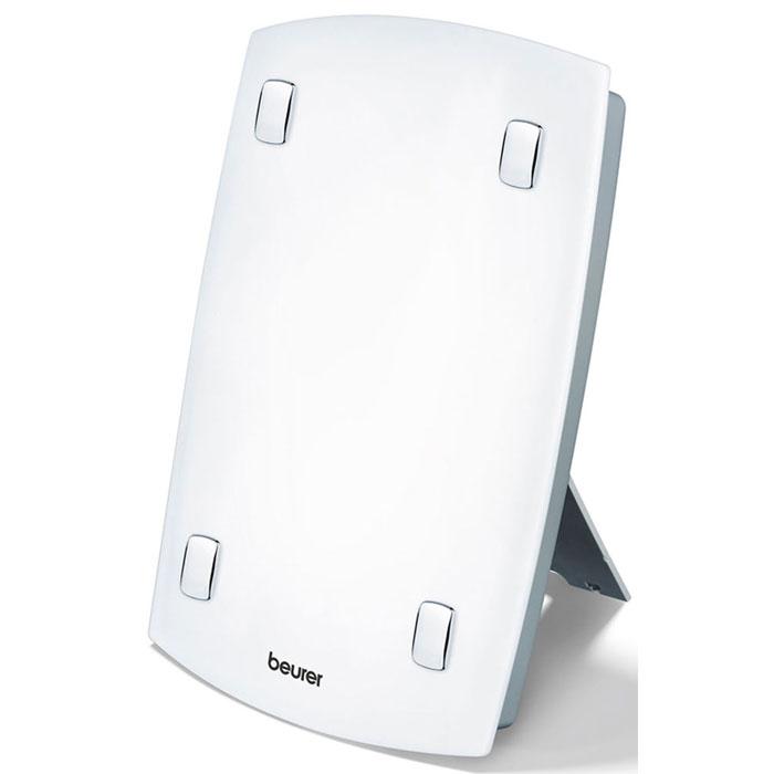 Beurer TL60 прибор дневного света60Прибор дневного света Beurer TL 60 – это «солнышко» в вашем доме. Он восстановит недостаток «витамином настроения», окажет профилактическое и даже лечебное воздействие. В зимние месяцы мы испытываем недостаток света, Beurer TL 60 быстро восполнит этот дефицит. Аппарат можно установить на полу, на столе или подвесить на стенку. Интенсивность света измеряется в люксах, где свет одного люкса идентичен излучению одной свечи. Прибор дневного света Beurer TL 60 способен излучать более 7000 люксов, именно поэтому он может оказывать терапевтическое воздействие.