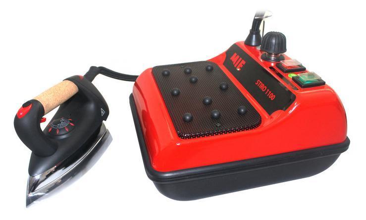 MIE Stiro 1100, Red парогенераторStiro 1100 RedЭлектропитание - 220 - 240 В / 50 -60 Гц - Мощность утюга - 850 W - Мощность парогенератора - 1300 W - Давление пара – 3,5 бара - Вместимость бойлера – 1,5 Л - Кнопка включения утюга - Кнопка включения парогенератора - Индикатор готовности пара - Индикатор отсутствия воды в бойлере - Вес утюга 1,4 кг