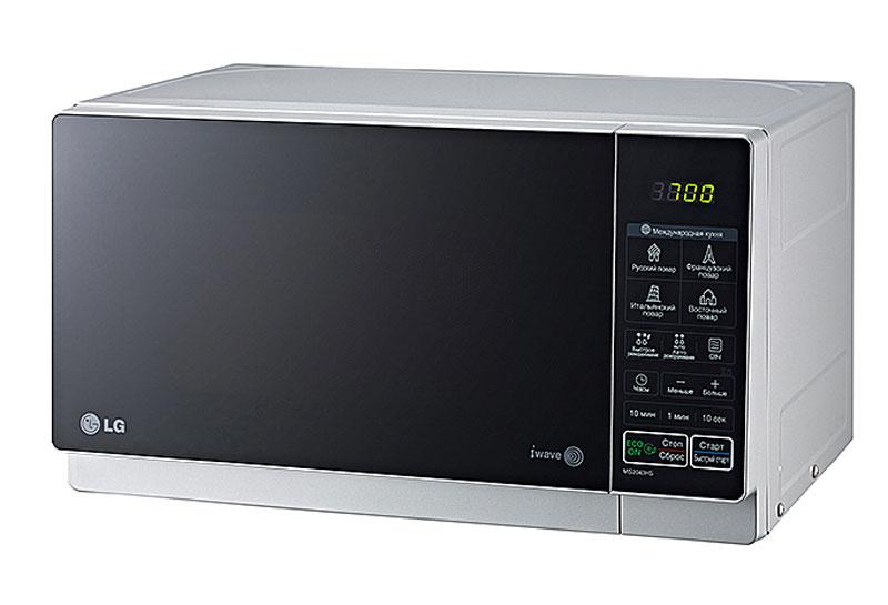 LG MS2043HS СВЧ-печьMS-2043HSСтильный дизайн микроволновой печи LG MS2043HS позволит ей органично влиться в общий дизайн вашей кухни, а большое количество полезных функций, таких как наличие программ автоматического приготовления, автоматическое размораживание и многих других, сделает ее незаменимой помощницей в приготовлении вкусных блюд. Автопрограммы приготовления Международная кухня 32 уникальные программы, позволяющие легко и без усилий приготовить блюда по традиционным рецептам французской, итальянской, восточной и русской кухни. Достаточно лишь заложить необходимые продукты в камеру и выбрать подходящее меню, а печь сама установит оптимальный режим приготовления блюда для придания ему насыщенного и неповторимого вкуса. Легкоочищаемое покрытие LG EasyСlean Специальное легкоочищаемое покрытие LG EasyСlean внутренней камеры печи очищается от жира значительно быстрее и легче, по сравнению с обычным покрытием. Более того, компания LG предоставляет 10 лет гарантии на это...
