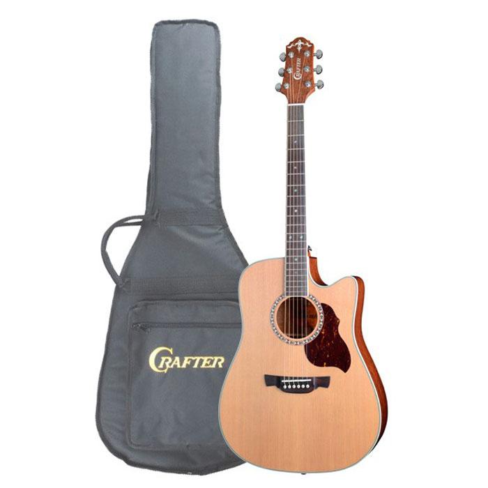 Crafter DE-7/N электро-акустическая гитара + чехолDE 7/NГитара Crafter DE-7/N - электроакустическая версия популярной модели D 7/N, доступного по цене инструмента с верхней декой из массива красного кедра. Форма корпуса «дредноут» - это, пожалуй, самая популярная форма акустических гитар. Разработанный компанией Martin в 20-х годах прошлого столетия, «дредноут» до сих пор считается стандартом для вестерн-гитар, который с успехом используется большинством производителей и огромным числом музыкантов, играющих в самых различных стилях. Эти корпуса имеют несколько больший размер, чем классические или оркестровые гитары, а звучание имеет явный акцент на низкие частоты. Верхняя дека Crafter DE-7/N выполнена из массива красного кедра (Red Cedar), что дает гитаре глубокий и мощный звук с большой тональной гибкостью. Уникальное отличие этой древесины в том, что гитара сразу имеет более зрелый звук, чем с декой из аналогичной по возрасту ели. Внешне красный кедр имеет благородную текстуру древесины и затемненный цвет,...