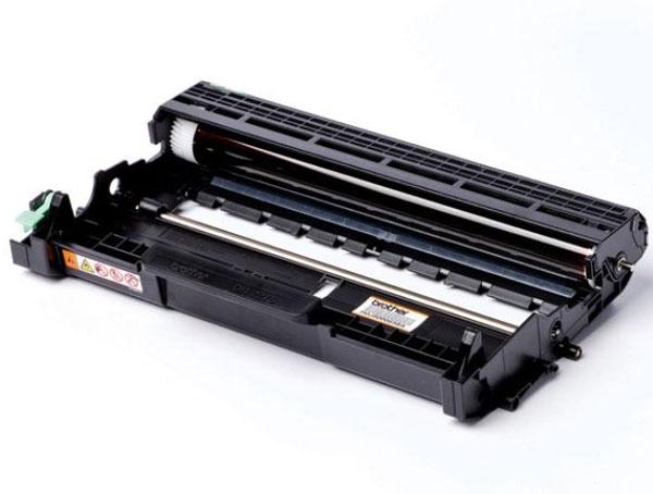 Brother DR2275 фотобарабан для HL2240/2240D/2250DNDR2275Фотобарабан Brother DR2275 предназначен для различных лазерных принтеров и МФУ от фирмы Brother. Он обеспечит отличную четкость печати и надежность в работе. С ним можно напечатать до 12000 страниц текста. И в отличие от неоригинальных изделий на него распространяется гарантия производителя.