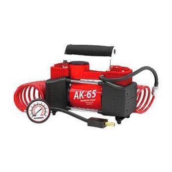 Компрессор автомобильный Autoprofi AK-65, металлический, двухпоршневой, производительность 65 л/мин, 12В, 300ВтAK-65Мощный двухпоршневой компрессор Autoprofi AK-65 обладает высокой производительностью 65 л/мин, благодаря которой он быстро накачивает не только автомобильные шины, но и резиновые матрацы, мячи и прочие надувные изделия. Проверенная конструкция компрессора способствует его надежной работе в течение всего срока эксплуатации. Корпус компрессора изготовлен из коррозиестойкого металла, что повышает эффективность охлаждения изделия во время накачивания. Каждый из двух поршней двигателя оснащен уплотнительными кольцами из гибкого жаропрочного тефлона, которые обеспечивают их продолжительную безотказную работу. Для смазки в компрессоре используется инновационное силиконовое масло. Оно сохраняет свои качества в течение всего срока службы изделия и не требует замены или доливки. Питание компрессора осуществляется от аккумулятора автомобиля, к которому он подключается через зажимы АКБ. Встроенный предохранитель защищает электродвигатель от перепадов напряжения и силы тока. ...