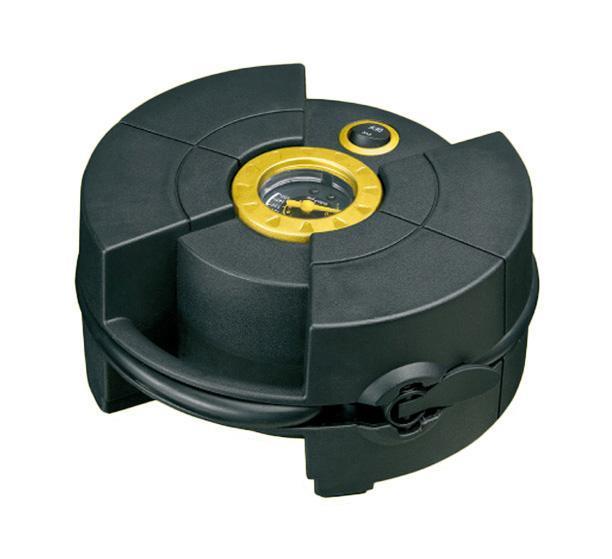 Компрессор автомобильный КАЧОК K30K30Новинка в линейке автомобильных компрессоров марки Качок отличающаяся необычным дизайном и компактностью. Автомобильный компрессор Качок К30 имеет специальные карманы для хранения насадок, провода и шланга, создающее удобство при эксплуатации компрессора. Быстросъемный наконечник позволит быстро подключить шланг к ниппелю на колесе, а разъем для прикуривателя компрессор к бортовой сети автомобиля, что в общем делает работу с автомобильным компрессором Качок К30 быстрой и удобной! Технические характеристики компрессора автомобильного Качок К 30 Допустимое напряжение: 10-13,5 В Максимальный ток потребления: 10 А Максимальное давление: 10 Атм. (кг/см2) Время непрерывной работы: 10 мин. Производительность: 15 л/мин. Рабочая температура: -35°С +80°С Масса: 1 кг Размеры: 175 x180 x80 мм Подключение в прикуриватель Быстронакидной наконечник Специальные карманы для шланга и проводки Комплект поставки: Компрессор Качок К30 Сумка-чехол для переноски Набор...