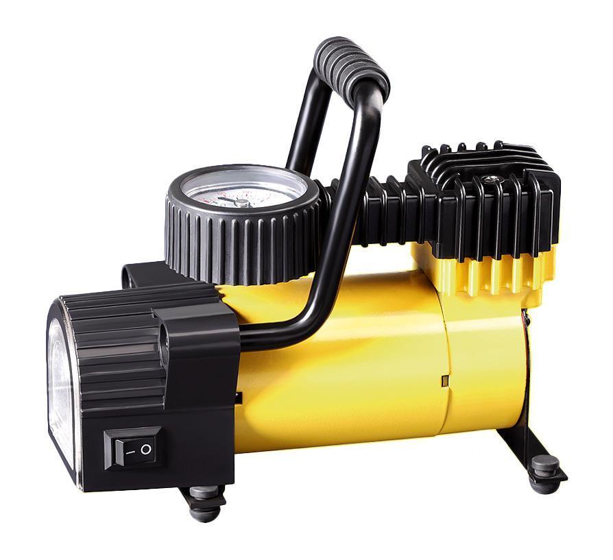 Компрессор автомобильный КАЧОК K50 LEDK50LEDТехнические характеристики компрессора автомобильного Качок К 50LED Допустимое напряжение: 10-13,5 В Максимальный ток потребления: 12 А Максимальное давление: 7 Атм. (кг/см2) Время непрерывной работы: 30 мин. Производительность: 30 л/мин. Рабочая температура: -35°С +80°С Масса: 2 кг Навинчивающаяся насадка на ниппель колеса Подключение в гнездо прикуривателя Спускной клапан – DEFLATOR Яркий светодиодный фонарь – 4 светодиода Встроенный плавкий предохранитель - 15A Комплект поставки: Компрессор Качок К 50LED Переносная сумка для хранения Набор переходных штуцеров - 4 штуки Инструкция по эксплуатации Упаковочная коробка Материал: металл, пластик; цвет: желтый Материал: металл, пластик; цвет: желтый