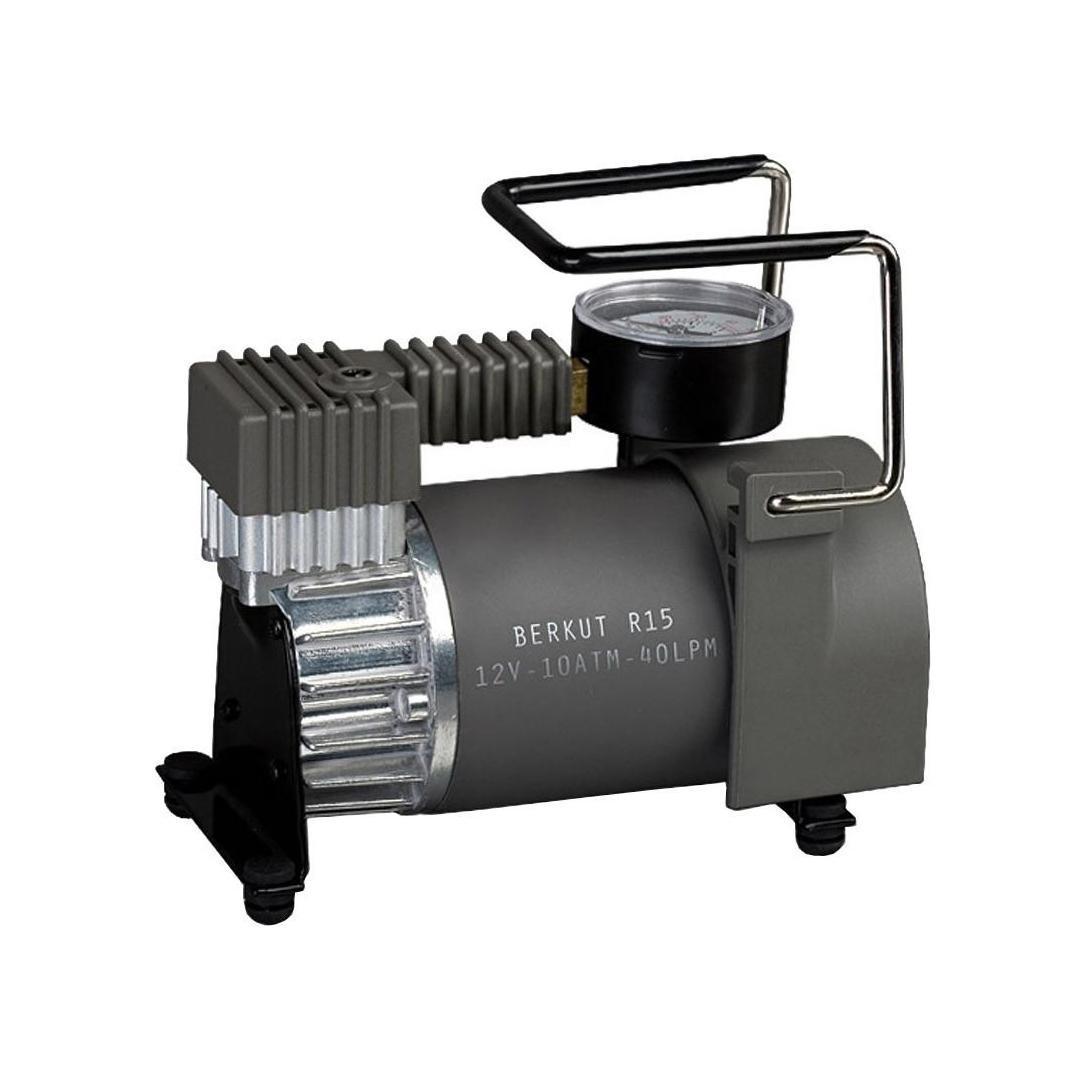 Компрессор автомобильный BERKUT R15R15Технические характеристики: - Напряжение: 12 В - Максимальный ток потребления: 14,5 A - Максимальное давление: 10 атм (кг/см2) - Время непрерывной работы: 30 мин - Производительность: 40 л/мин - Диапазон рабочих температур: -30 °C +80 °C - Уровень шума: 65 дБ - Длина шланга: 1,2 м - Длина провода питания: 4,8 м - Плавкий защитный предохранитель: 15 A - Размеры устройства: 167x93x157 мм - Масса: 2,1 кг Функциональные особенности: - Насос поршневого типа, не требующий смазки - Износостойкое поршневое кольцо из фторопласта - Воздушные клапаны из нержавеющей стали - Рабочий цилиндр из алюминиевого сплава - Электродвигатель с постоянными магнитами - Автоматическая система защиты от перегрева - Пыленепроницаемое исполнение - Высокоточный двушкальный манометр - Спускной клапан - DEFLATOR - Навинчивающаяся насадка на ниппель колеса - Удобная сумка для хранения и переноски - Набор дополнительных штуцеров Материал: металл, пластик, резина, фторопласт; цвет: хаки Материал: металл,...