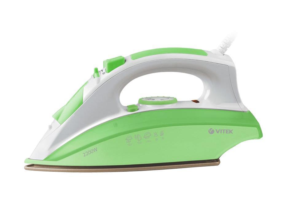 Vitek VT-1201 G, Green утюгVT-1201 GБыстро отгладить белье из тканей любой фактуры возможно с утюгом VT-1201 G. Его яркий и привлекательный дизайн дополняется высокой мощностью и функциональностью. Вас, несомненно, привлечет функция вертикального отпаривания, ведь, например, для отглаживания штор вам не потребуется гладильная доска. Вы оцените функцию разбрызгивания, которая позволит справиться даже с самыми устойчивыми складками на плотных тканях. А благодаря встроенной системе самоочистки работать прибор прослужит вам долго даже при частой эксплуатации, доставляя истинное удовольствие во время глажения. Инновационное антиприграное покрытие UltraCare наносится уникальным способом – распылением под давлением в два слоя. Благодаря своей высокой прочности оно позволяет гладить одежду с металлическими аксессуарами. Покрытие UltraCare делает поверхность подошвы безупречно гладкой – она не прилипает к ткани и не оставляет на ней блеска.