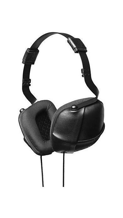 Molami Pleat, Black наушники с функцией гарнитурыPLEAT Napa BlackMolami PLEAT Napa - качественные накладные наушники с классическим оголовьем для вашего устройства, надежно прижимающим динамики к ушам и распределяющим нагрузку по всей голове. Удобная посадка обеспечивает долгое, комфортное ношение. Внушительных размеров динамики передают чистый звук с выразительными низами и звонкими верхами. Встроенный микрофон позволяет общаться без использования рук, а его высокая чувствительность делает вашу речь хорошо разборчивой на другом конце провода. Molami PLEAT Napa отлично подходят как для общения, так и для прослушивания музыки, радио, просмотра видеороликов и фильмов.