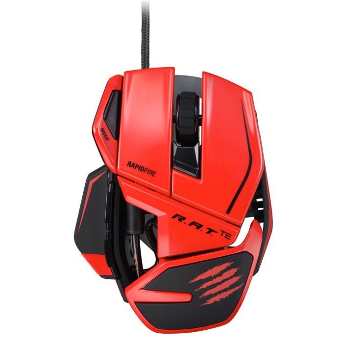 Mad Catz R.A.T.TE, Red игровая мышь (MCB437040013/04/1)PCA271Mad Catz R.A.T.TE - игровая мышь, которая отличается небольшим весом и высокой скоростью. Внутри устройства установлен датчик Philips с разрешением до 8200 dpi, в основе работы которого лежит эффект Доплера. Он автоматически определяет игровую поверхность, на которой находится, и вносит важные изменения в настройки игры. Датчик практически невосприимчив к солнечному свету и пыли, и «дружит» практически с любым типом поверхности. Эта мышь даже в экстремальном режиме может проработать пять лет, если круглый год использовать ее шесть часов в день, шесть дней в неделю. Срок службы продлевают не только прочные материалы, но и переключатели OMRON, которыми оснащены правая и левая кнопки. Снижение веса манипулятора позволило уменьшить его инерционность и сделать более комфортным для продолжительной игры. Разработчики позаботились о том, чтобы мышь вовремя реагировала на отрыв от поверхности и не приводила в действие курсор, когда связь с поверхностью потеряна....