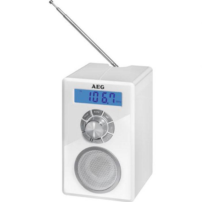 AEG MR 4139 BT, Weiss Bluetooth-радиоприемникMR 4139 BT weissРадиоприемник AEG MR 4139 BT - это компактный радиоприемник с функцией Bluetooth и цифровой настройкой частоты. Модель питается как от сети, так и от батареек. Такую модель можно взять с собой куда угодно и слушать свои любимые радио шоу и хорошую музыку на природе. Оснащен встроенными часами и антенной. Приемник отлично подойдет для походов или отдыхе на пикнике. Еще одна хорошая черта данной модели является долговечность заряда батареи. беспроводное соединение с устройствами поддерживающими технологию Bluetooth цифровой FM-стерео приемник с памятью на 20 станций ЖК-дисплей с синей подсветкой телескопическая антенна, разъем для наушников, разъем AUX-IN (для подключения аналоговых устройств) питание: Адаптер 230 В, 50 Гц. Батарейки 4 х 1,5 В (АА) (не входят в комплект поставки)