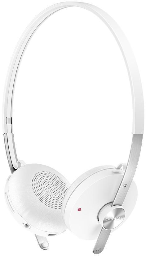 Sony SBH60, White наушникиWhiteSony SBH60 - качественные накладные наушники с классическим оголовьем для вашего устройства, надежно прижимающим динамики к ушам и распределяющим нагрузку по всей голове. Удобная «посадка» обеспечивает долгое, комфортное ношение. Внушительных размеров динамики передают чистый звук с выразительными низами и звонкими верхами. Встроенный микрофон позволяет общаться «без использования рук», а его высокая чувствительность делает вашу речь хорошо разборчивой на другом конце «провода». Sony SBH60 отлично подходят как для общения, так и для прослушивания музыки, радио, просмотра видеороликов и фильмов. Модель оснащена удобным пультом управления с несколькими функциями. Это значительно повышает удобство использования устройства, ведь вы можете отдавать ему команды дистанционно.