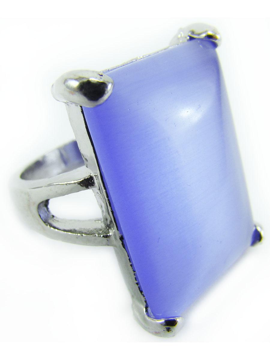Кольцо Taya, цвет: серебристый, сиреневый. T-B-8534-RING-AMETHYSTT-B-8534-RING-AMETHYSTКольцо Taya выполнено из бижутерного сплава на основе латуни (не содержит свинец и никель) с гальваническим покрытием. Крупное кольцо с сиреневым прямоугольным камнем в серебряной окантовке. Размерный ряд до 20 размера, Это необычное украшение внесет изюминку в ваш модный образ, а также позволит выделиться среди окружающих.