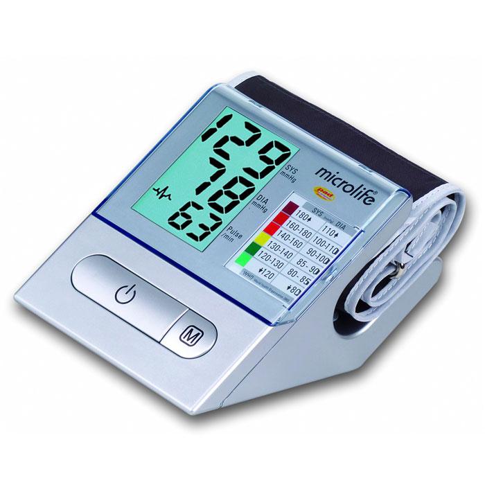 Тонометр автоматический с функцией диагностики аритмии Microlife BP A1002122015Microlife BP A100 это один из самых востребованных на российском рынке тонометров. Сочетая точность, надежность и технологичность, тонометр A100 остается простым в управлении, комфортным в использовании и доступным по цене! Дизайн тонометра BP A100 завоевал звание лучшего дизайна тонометров по мнению крупнейшей международной ассоциации дизайна Red DotMicrolife BP A100 получил наивысшую оценку точности А/А Британской Гипертонической лиги. Прибор оснащен PAD-технологией диагностики аритмии, которая распознает самые первые симптомы этого заболевания, отличает действительные признаки аритмии от схожих симптомов, вызванных, например, движениями руки во время измерения. Продуманный эргономичный дизайн прибора – большой дисплей, крупные кнопки с подсветкой, наличие отделения под манжету и информационной зоны - заслужил признание международных экспертов и получил награду Red Dot 2007. Прибор поставляется в максимально полной комплектации с...